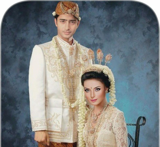 Sundanese Traditional Costume [via Instagram]