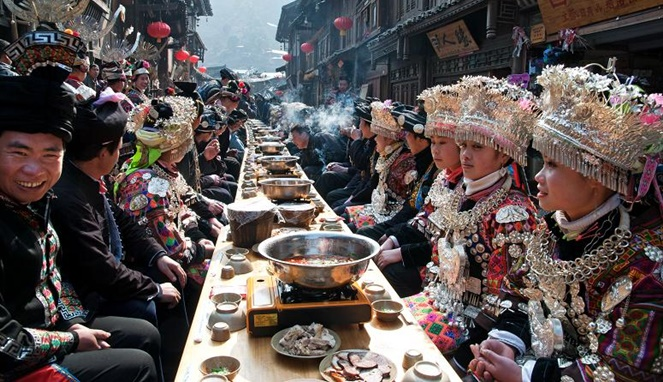 long-table-banquet-miao-people (3)