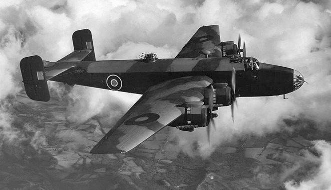Handley Page Halifax [Image Source]