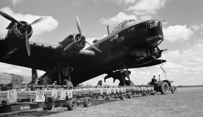 Short Stirling [Image Source]